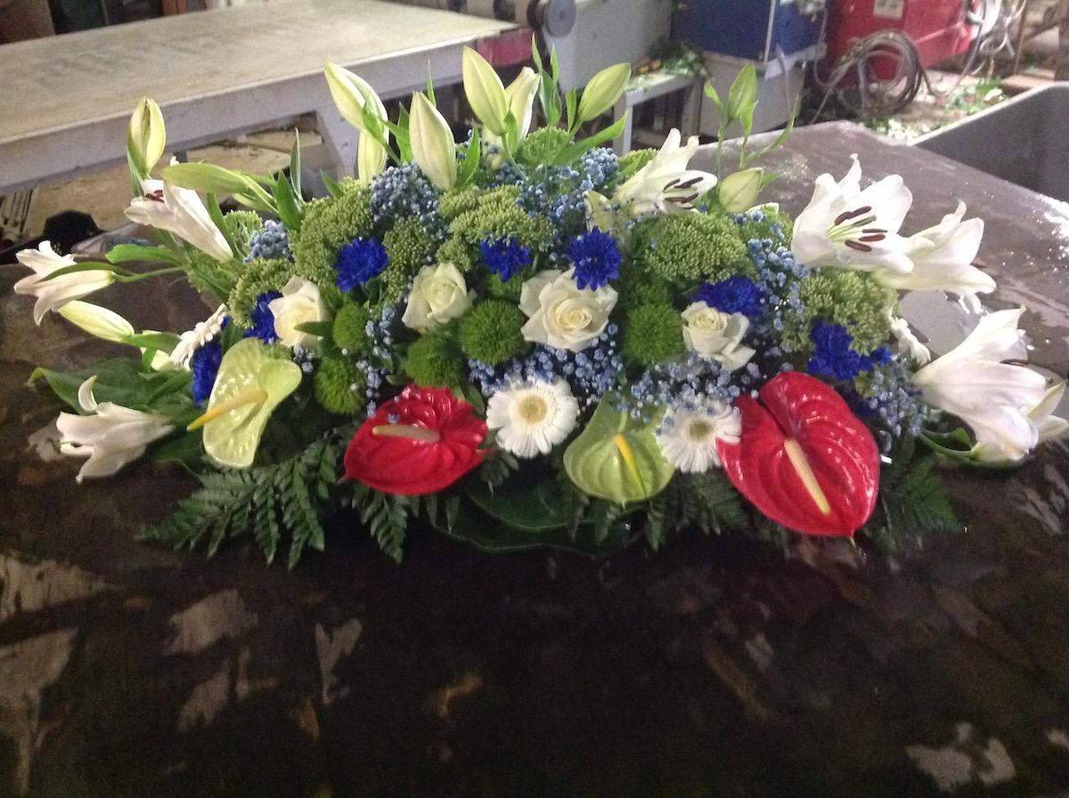 deuil, gerbe de fleurs enterrement par Azur Rose à La Crau Toulon Var
