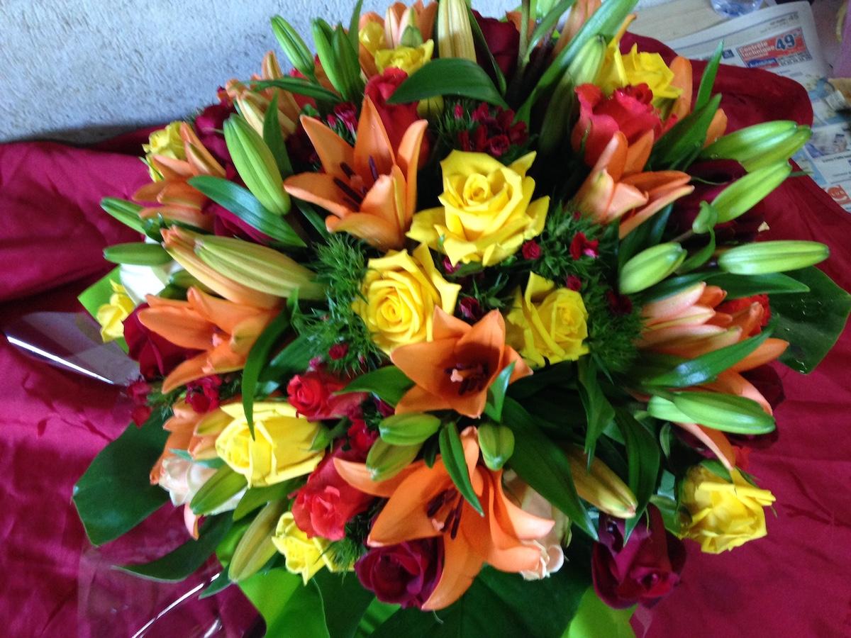 deuil, bouquet de fleurs enterrement par Azur Rose à La Crau Toulon Var