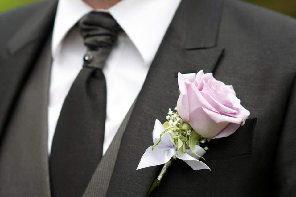 boutonnière-mariage-décoration-par-azur-roses-producteur-fleurs-var-3
